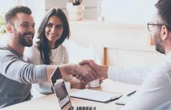 گوش دادن همدلانه چه تاثیری بر روند فروش دارد؟